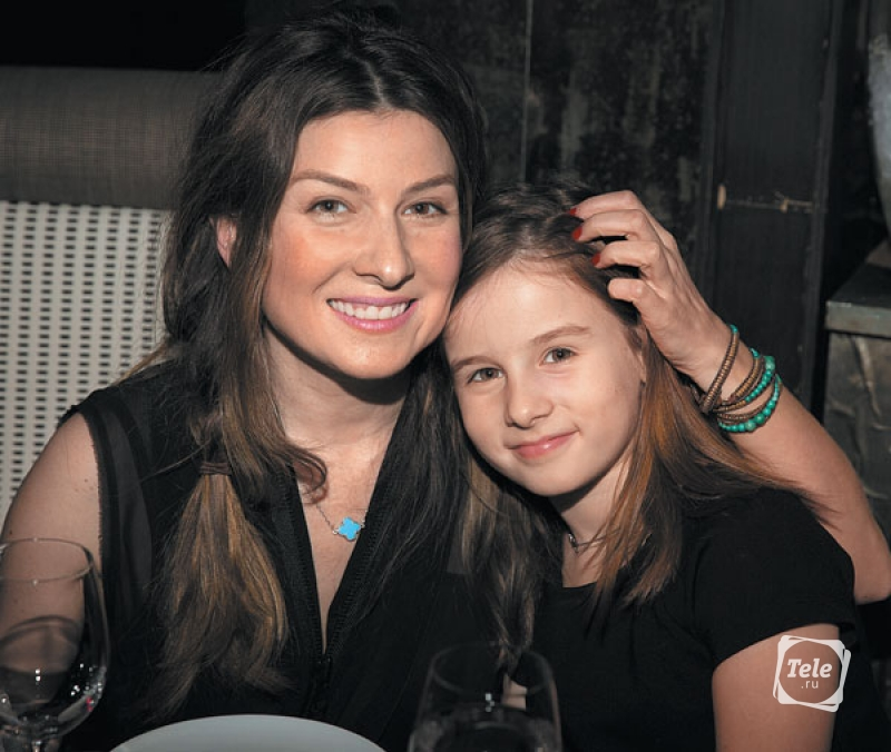 Жанна Бадоева с дочерью