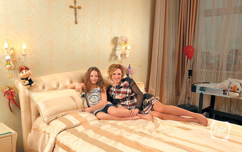 Алла Довлатова с дочерью