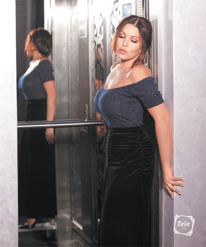 Бывший муж тиранил Дубцову: «Худей ...: http://www.tele.ru/stars/interview/byvshiy-muzh-tiranil-dubtsovu-khudey-davay-ty-tolstaya-/