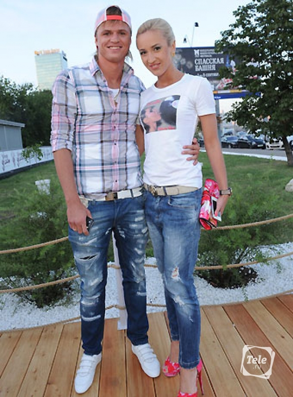 http://www.tele.ru/upload/pics/_others/2013-05-04/rings/w/10_buzova_.jpg